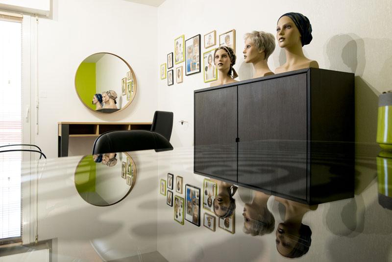 Intérieur d'un salon de perruques